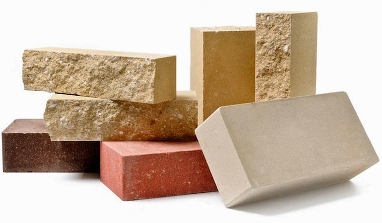 Какой кирпич выбрать: силикатный или керамический